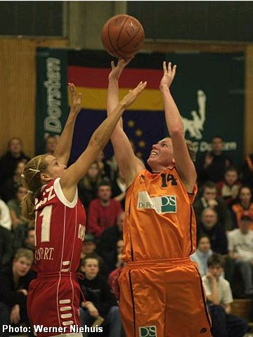 Nicole Johnson (Dorsten) earned a Co-MVP for her 25 points and 7 rebounds