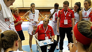 Spain Head Coach Lucas Mondelo