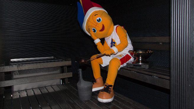 EuroBasket 2015 mascot Frenkie took the Trophy to a Finnish sauna