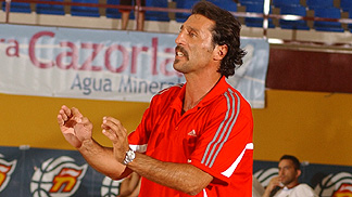 Head Coach - Mete Levent Topsakal (Turkey)