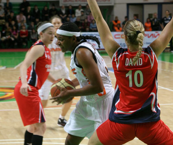 15. Asjha Jones (UMMC Ekaterinburg), 10. Ilisaine David (Cras Basket Taranto)