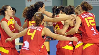 Spain celebrates their win over Sebia.