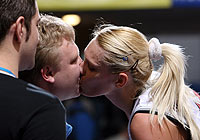 Maria Stepanova kisses her husband after winning the Semi-Final of the EuroLeague Women 2006