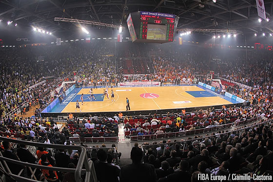 Record attendance of 8,500 in the Abdi Ipekci Arena