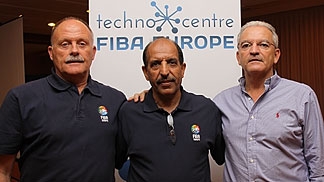 Alan Richardson from the FIBA Europe Referee department (left) and FIBA Europe Head of operations Miguel Batencor (right) with Mansour AL-AHMARI who joined the clinic from Saudi Arabia