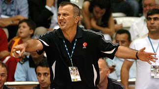 Nihat Izic (head coach Turkey)