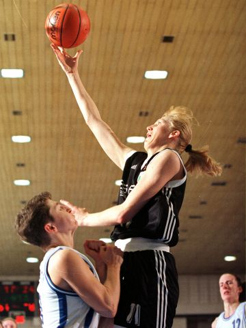 Jurgita Streimikyte (SOCIETA GINNASTICA COMENSE) at the 1999 EuroLeague Women Final Four