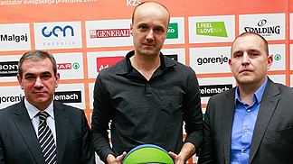 Slovenian Basketball Federation president Roman Volcic (left) and Deputy Secretary General Matej Avanzo presenting Jure Zdovc as the new national team head coach