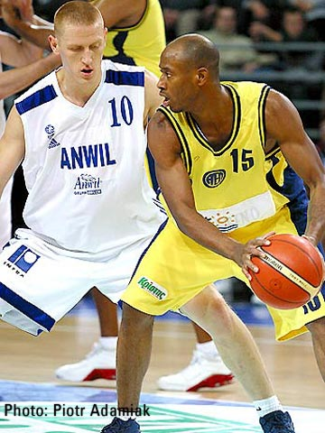 Duane Woodward (EKA AEL) had 19 points, 5 assists and 5 steals against Anwil