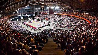 17,000 spectators turned out in Antwerp Sportpaleis on 4 April 2014 to watch their team take on Telenet BC Oostende