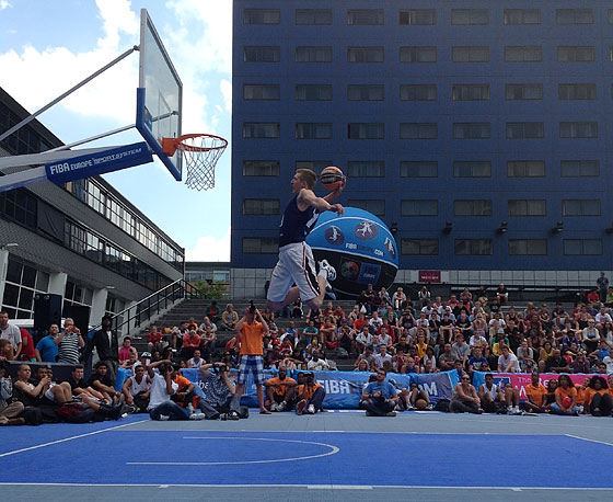 Open dunk contest at the 3on3 stop in The Hague (4-5 August 2012)