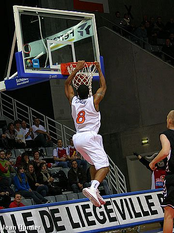 Justin Cage (Liege BC)