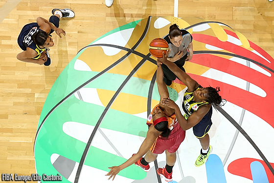 The EuroLeague Women Final tip-off