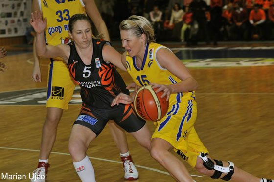 15. Luisa Michulková (Good Angels Kosice), 5. Katarina Manic (Bourges Basket)