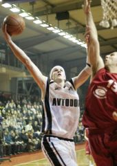 Vladimir Chevel (Avtodor) sometimes just needs one hand to score 22 points and grab 8 rebounds