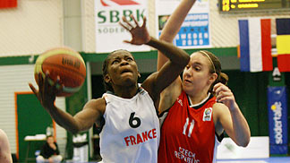 6. Esther Moisan Niamke (France)