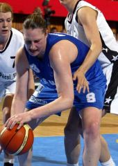 Suzy Batkovic fights for a loose ball against Pecs