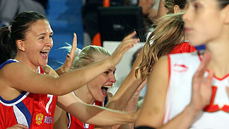 Ekaterina Demagina and Maria Stepanova celebrating