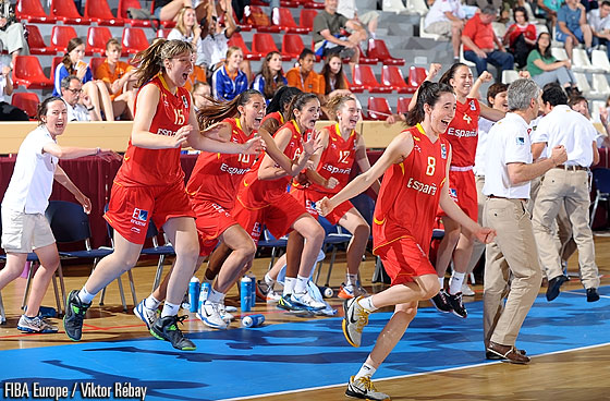 Spain storm the court after the final whistle of their Semi-Final against Russia