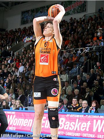 Vicky Hall (Bourges Basket)