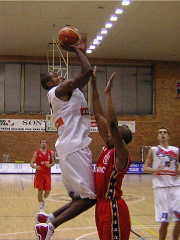 Ashante Johnson goes high for the jumper against Nancy