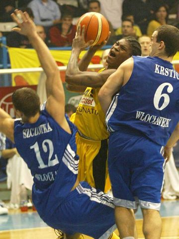 The Anwil defense makes Smush Parker work hard for his points