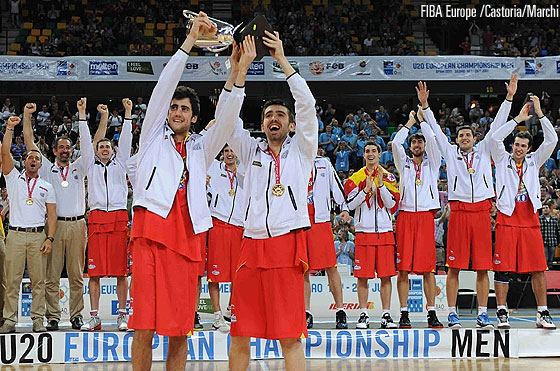 Spain celebrating Gold Medal Victory
