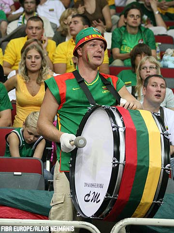 Lithuania fan with drum