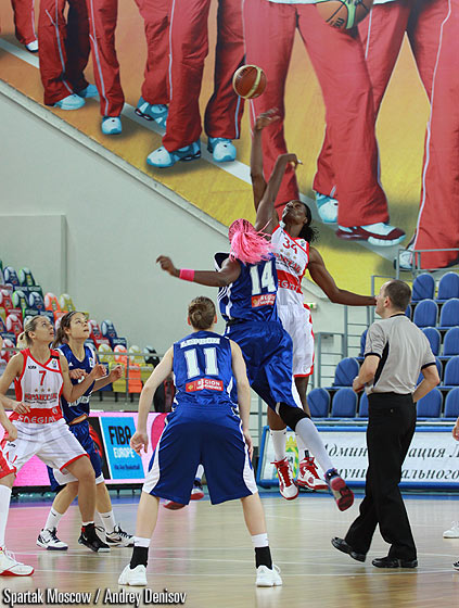 Sylvia Fowles (Spartak Moscow Region), Isabelle Yacoubou-Dehoui (Tarbes GB)