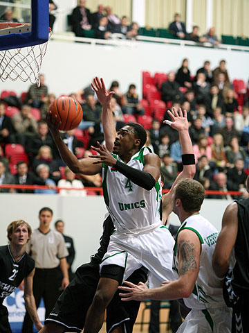 Terrell Lamon Lyday (UNICS)