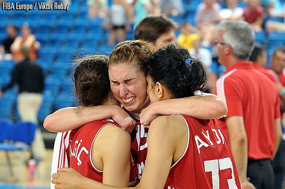 Turkey win the bronze medal, their first ever medal at a women's youth competition