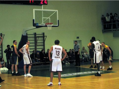 Ronell Mingo at the free-throw line