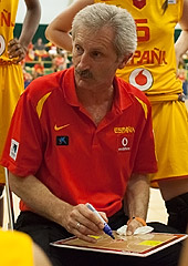 Spain head coach Evaristo Perez