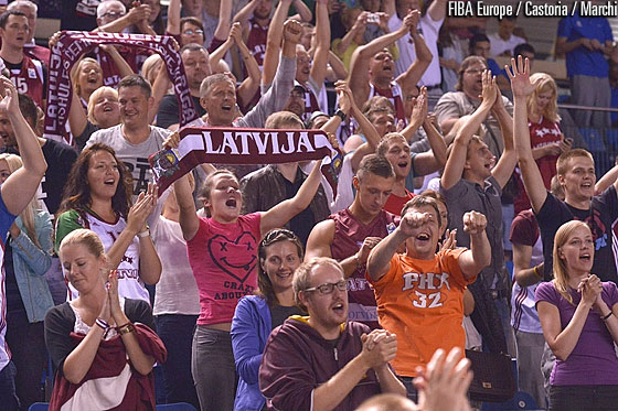 Latvian fans filling up SDaku Suurhall in Tallinn