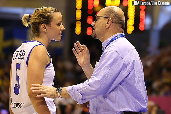 Martina Fassina takes advice from head coach Roberto Ricchini