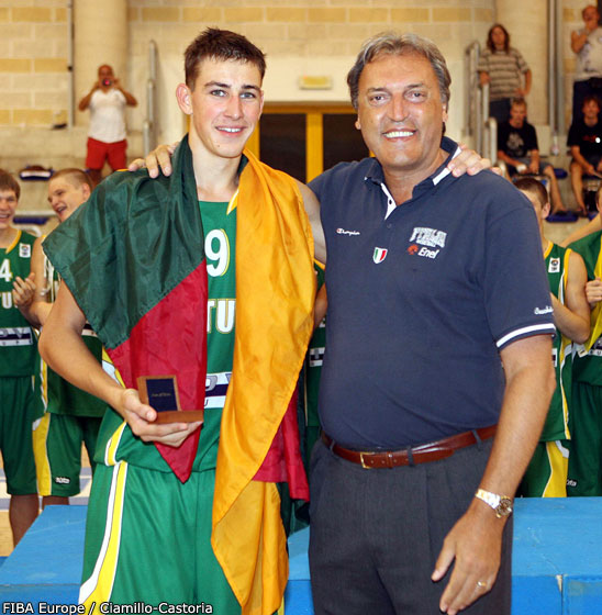 Jonas Valanciunas (Lithuania) named MVP
