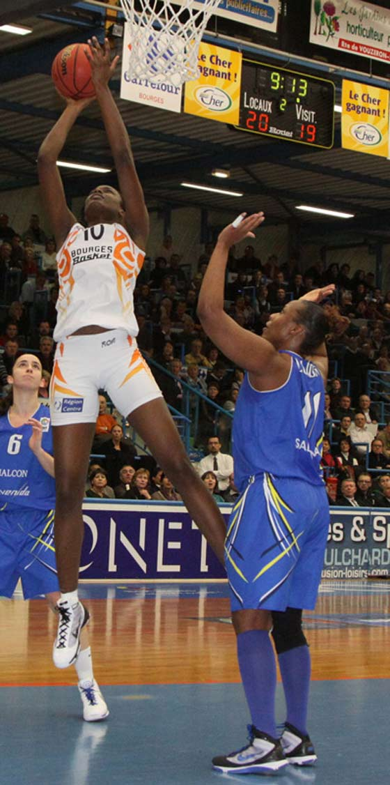 10. Jennifer Digbeu (Bourges Basket)