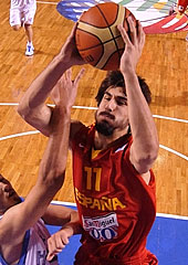 Spain Shut Down Greece To Make Semis