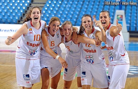 Spain celebrate their Quarter-Final victory over France