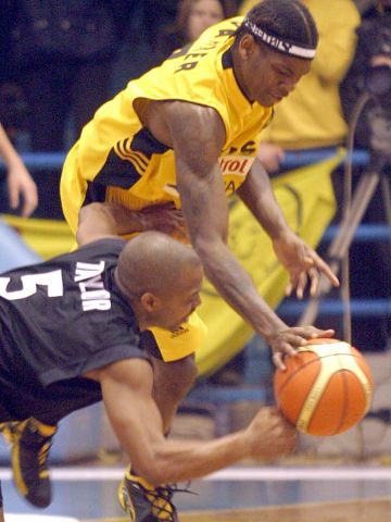 Derrick Taylor fights for the ball