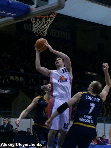 two points for Ural Great by Darren Fenn