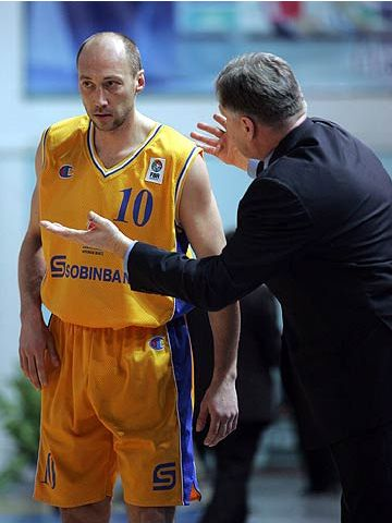 Khimki's Vasily Karasev with coach Serguei Elevich