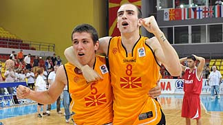 5. Vladimir Dikovski (F.Y.R. of Macedonia), 8. Petar Apcev (F.Y.R. of Macedonia)