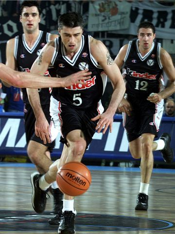 Predrag Danilovic (KINDER PALL. BOLOGNA) at the 2000 Saporta Cup Final
