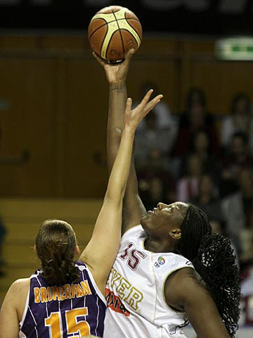 15. Vanessa Hayden-Johnson (Umana Reyer)