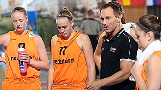 Netherlands head coach Bart Sengers
