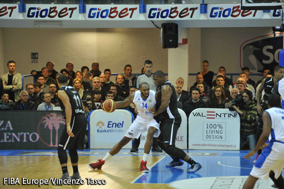 14. Cedric Simmons (Enel Basket )