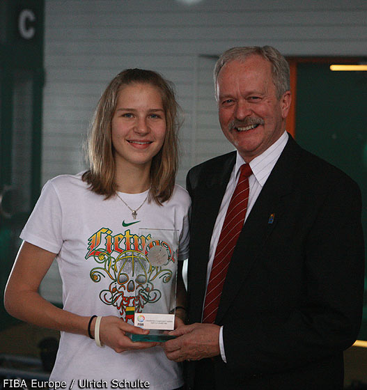 Lithuania Captain Greta Sniokaite Receives The Fair Play Award For Her Team