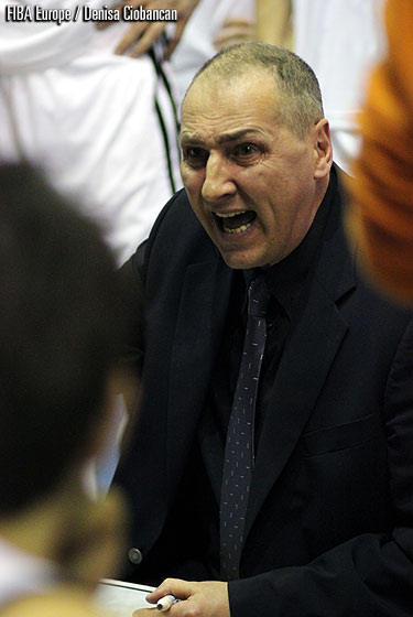 Gaz Metan Medias head coach Marcel Tenter
