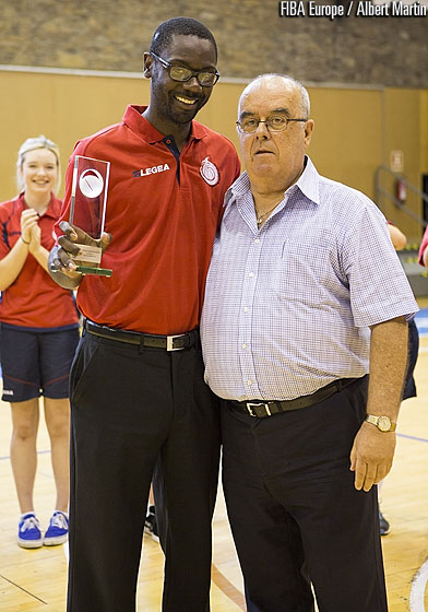 Wales Coach Lee Walker is presented the Fair Play Award for extraordinary sportsmanship by FIBA Europe Vice President John Goncalves
